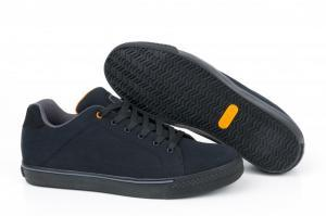 Boty Fox Black & Orange Casual Trainers vel. 9/43