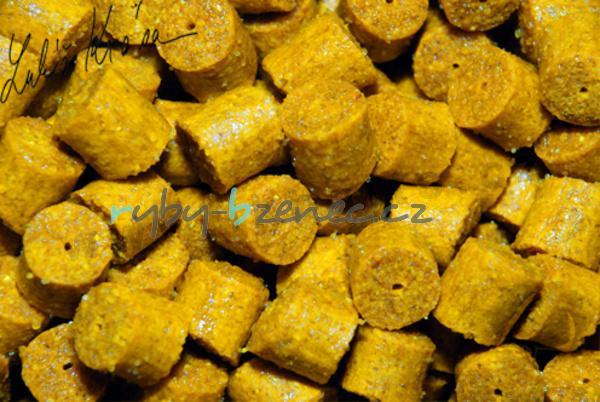 LK Baits Kukuřičné pelety Corn Pellets 12mm 1kg